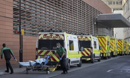 Над 1 500 починали след заразяване с коронавирус във Великобритания за ден